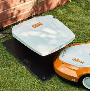 Stihl RMI422 iMow Robotic Cordless Mower 800m2